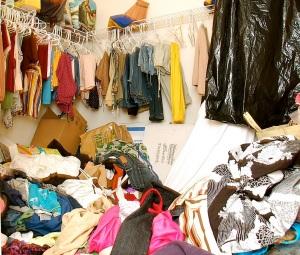 messy-closet1