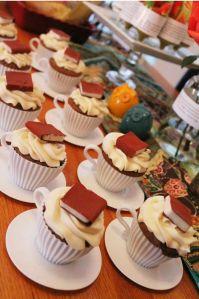 book cupcakes